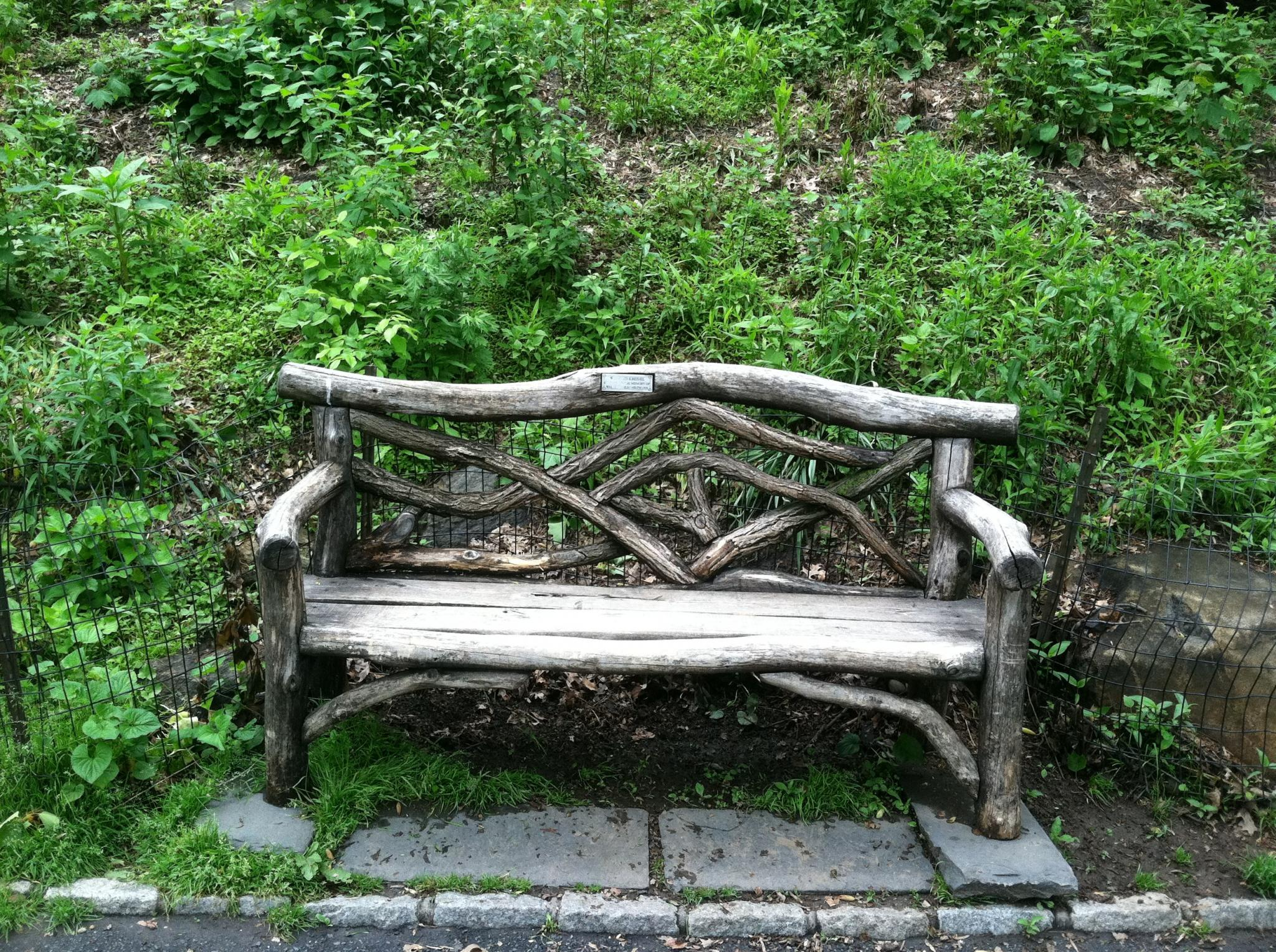 Central Park Bench Full Screen Photo Slideshow On